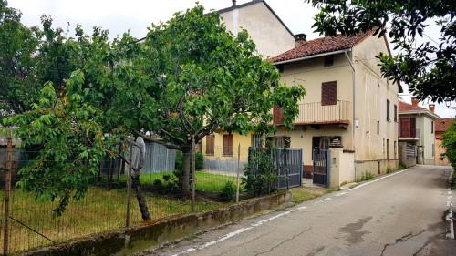 Porzione di casa in Vendita a Valfenera