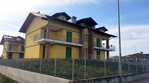 Apartment for Sale to Poirino