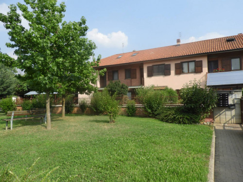 Villa a Schiera in Vendita a Robassomero