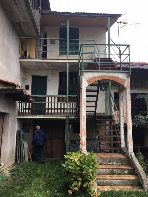 Porzione di casa in Vendita a Viola
