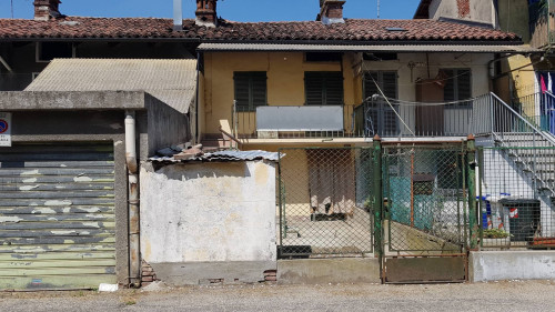 Semi-Detached House for Sale to Poirino