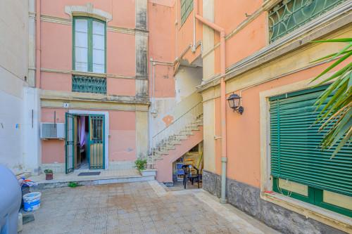 Stabile - Palazzo in Vendita a Catania