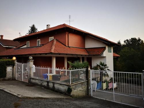 Villa Bifamiliare in Vendita a San Francesco al Campo