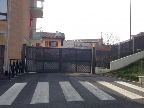 Box o garage in Vendita a Grugliasco