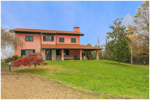 Villa Unifamiliare in Vendita a Monteu Roero