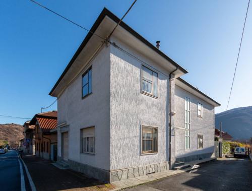 Villa in Vendita a Condove