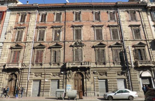 Stabile - Palazzo in Vendita a Cagliari