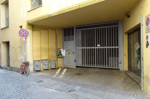 Attività Commerciale Parcheggio in Affitto a Torino