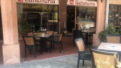 Attività Commerciale - Bar - Tabacchi - Ricevitoria in Vendita a Roburent
