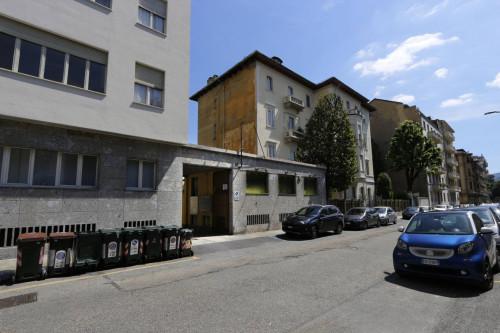 Struttura Commerciale in Vendita a Torino