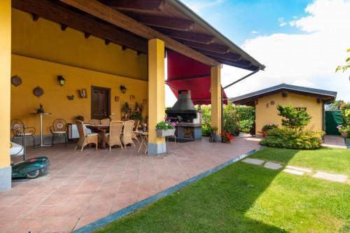 Villa in Vendita a Rivarolo Canavese