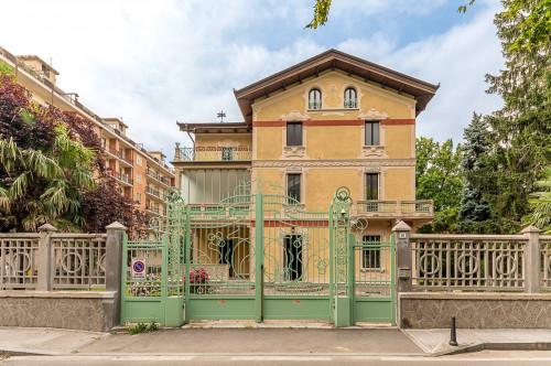 Palazzo Storico in Vendita a Susa