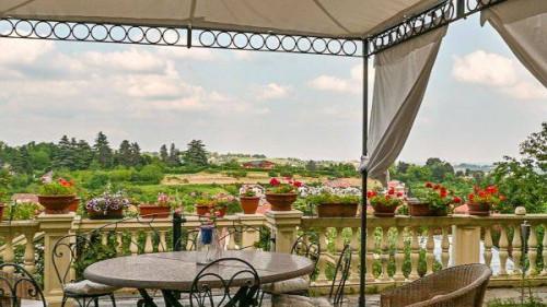 Villa Trifamiliare in Vendita a Pecetto Torinese