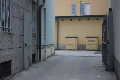 Box o garage in Vendita a Seregno