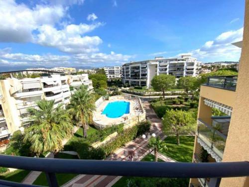 Appartamento in Vendita a Cagnes-sur-Mer