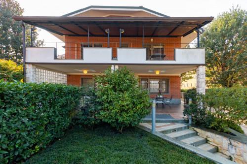 Villa for Sale to Chieri