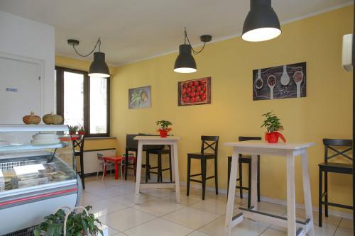 Attività Commerciale - Alimentari - Gastronomia in Vendita a Chieri