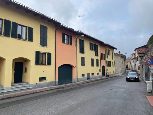 Appartamento in Vendita a Monastero di Vasco