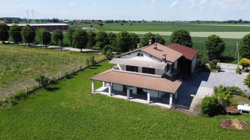 Villa Unifamiliare in Vendita a Margarita
