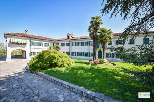 Villa Trifamiliare in Vendita a Torino