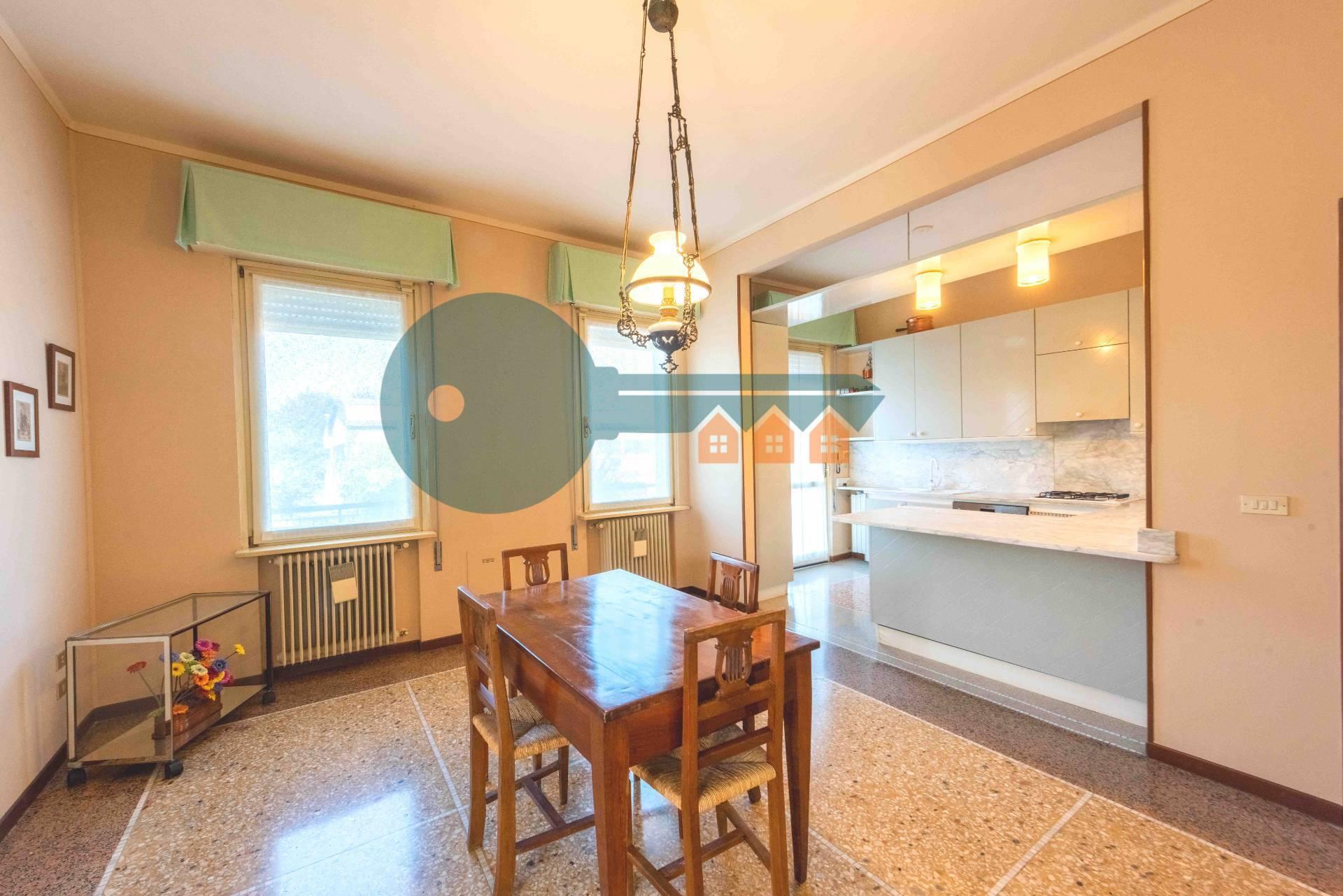 Villa Bifamiliare in vendita a Bagnolo Mella, 16 locali, prezzo € 339.000 | PortaleAgenzieImmobiliari.it