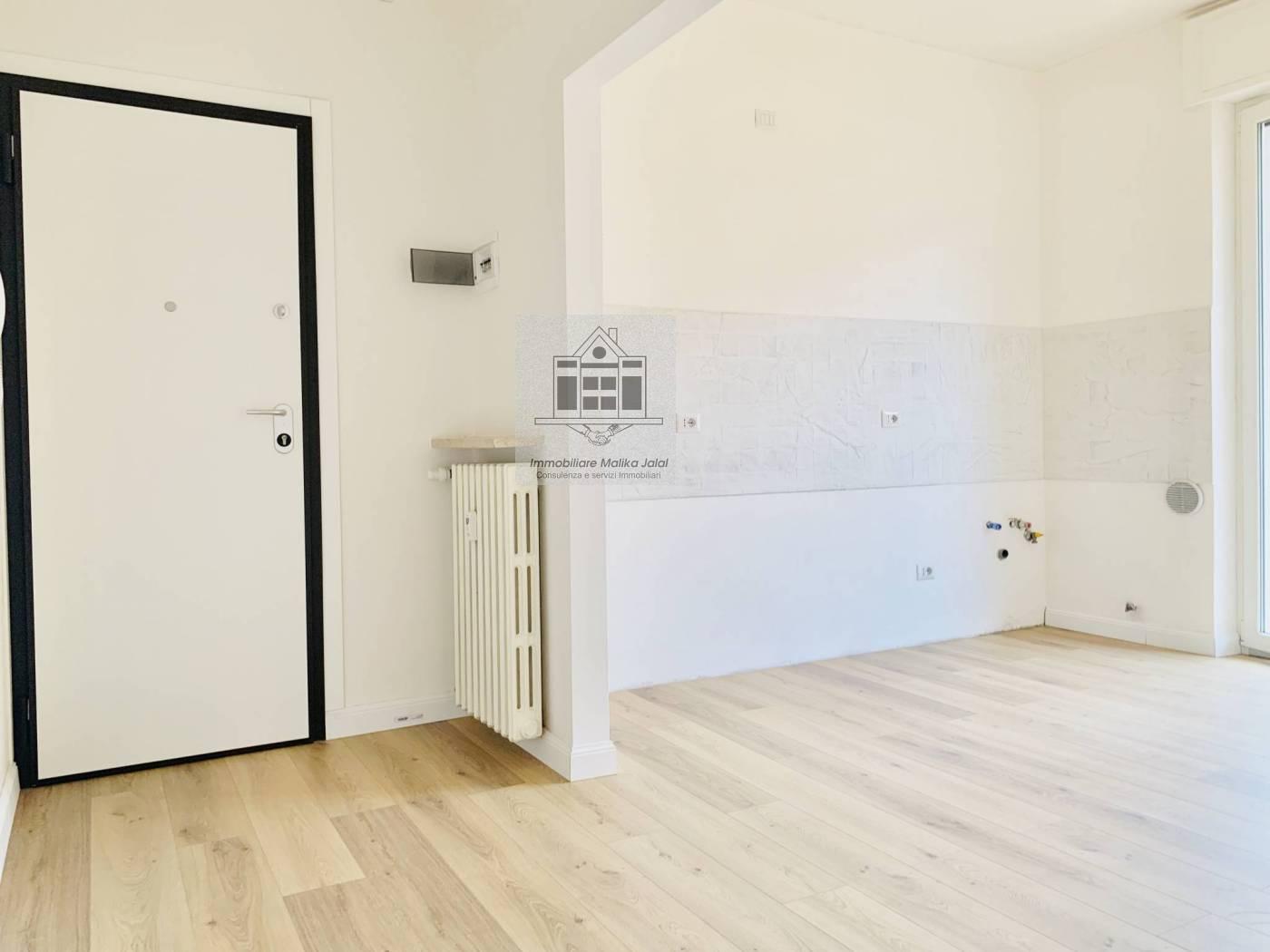 Appartamento in vendita a Verona, 3 locali, zona Località: S.Lucia, prezzo € 110.000 | CambioCasa.it