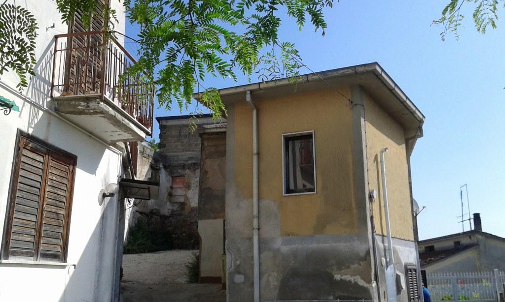 Foto - Semi-indipendente In Vendita Ceppaloni (bn)