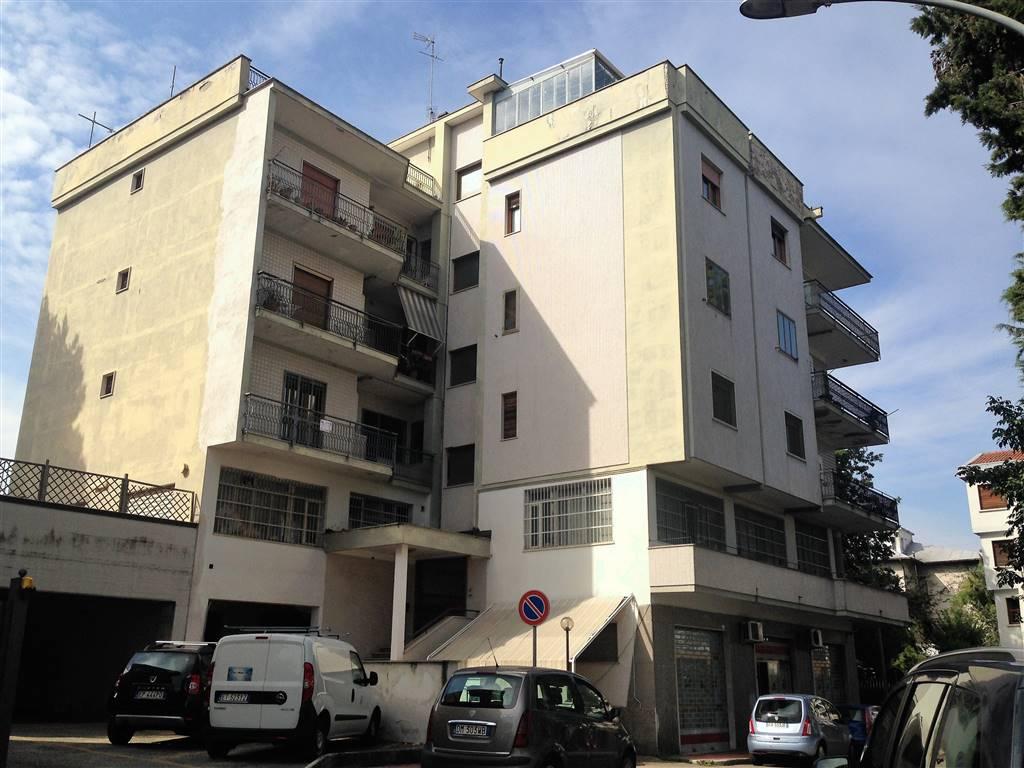 Appartamento in affitto a Benevento, 4 locali, zona Zona: Mellusi/Atlantici, prezzo € 550 | CambioCasa.it