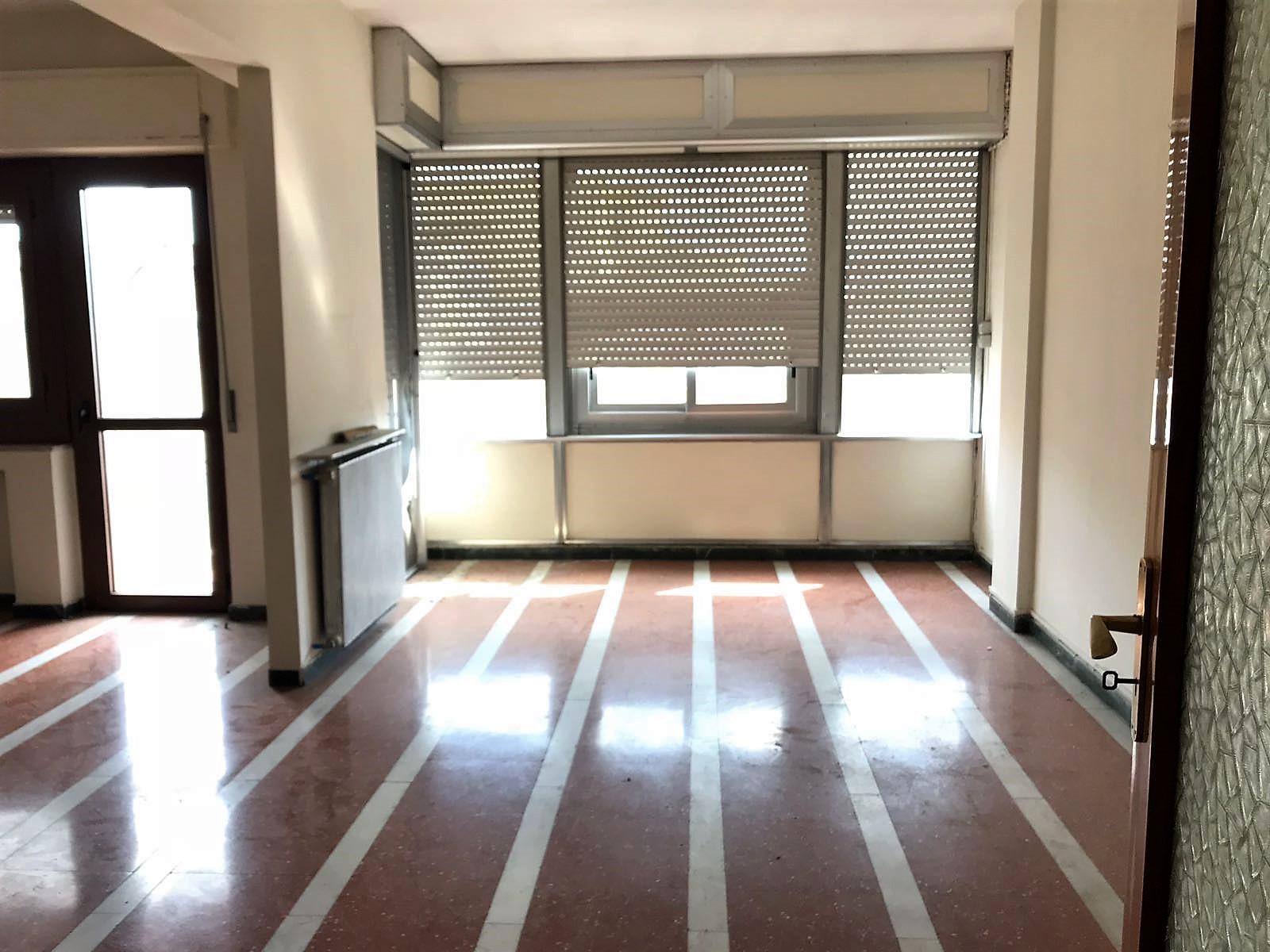 Appartamento in vendita a Benevento, 4 locali, zona Località: CENTROSTORICO, prezzo € 175.000 | CambioCasa.it