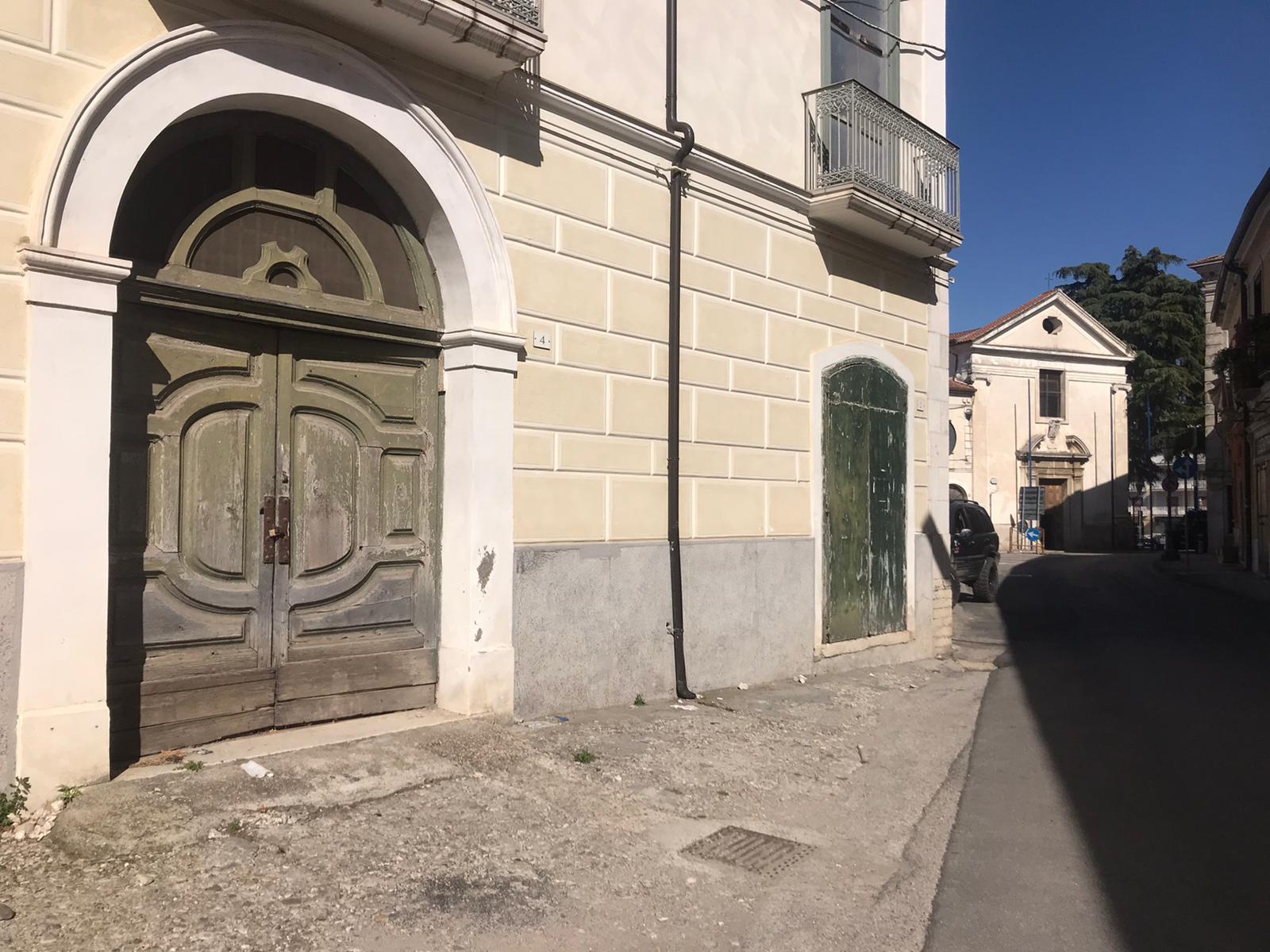 Negozio / Locale in affitto a San Giorgio del Sannio, 9999 locali, prezzo € 500 | CambioCasa.it