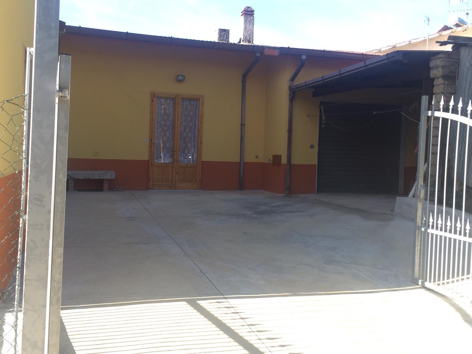 Soluzione Indipendente in vendita a Casalduni, 5 locali, prezzo € 80.000   CambioCasa.it