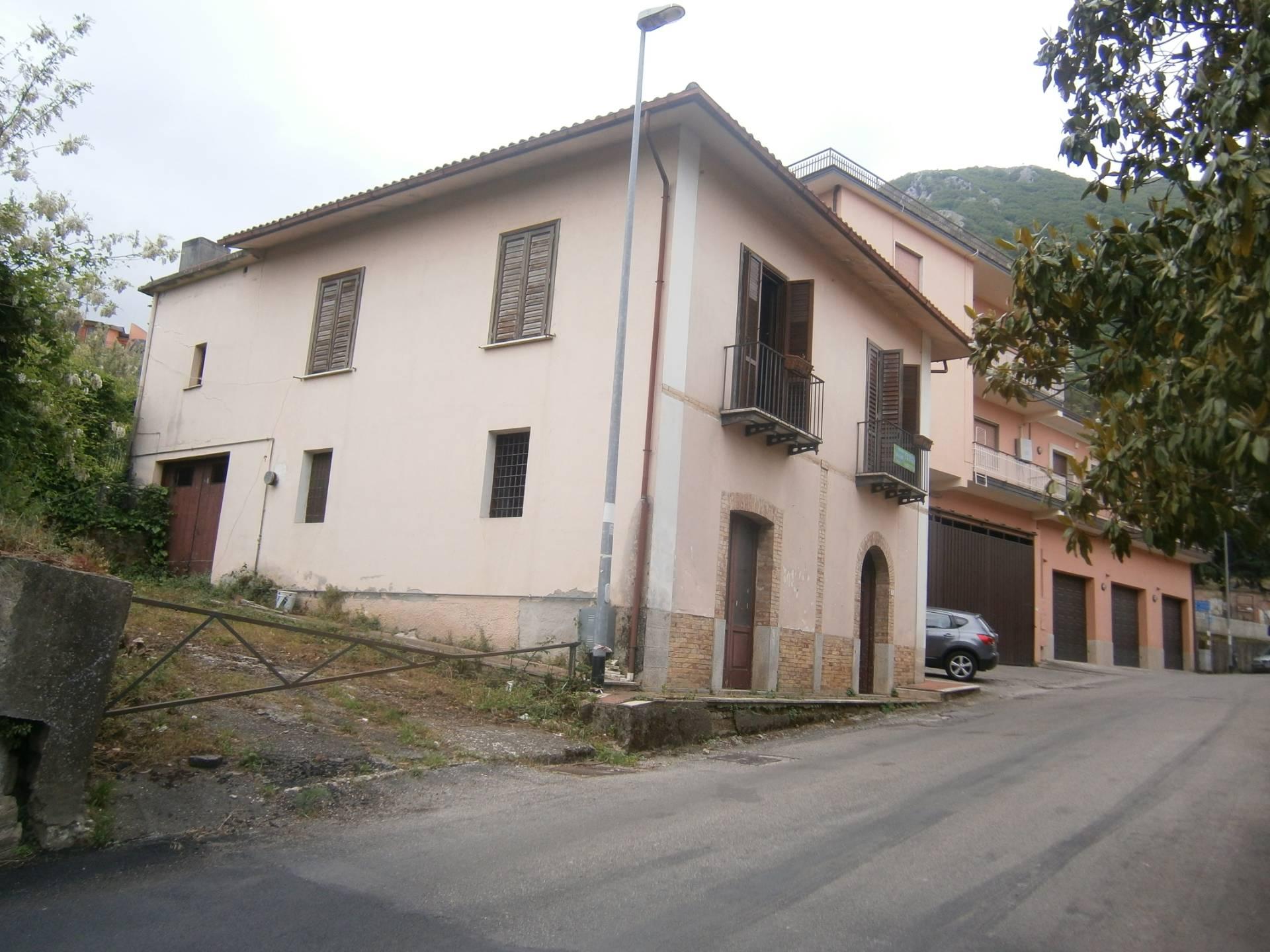 Rustico / Casale in vendita a Paupisi, 8 locali, prezzo € 79.000   CambioCasa.it