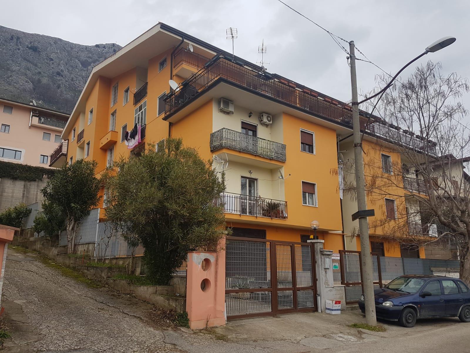 Appartamento in vendita a Foglianise, 7 locali, prezzo € 87.000   CambioCasa.it