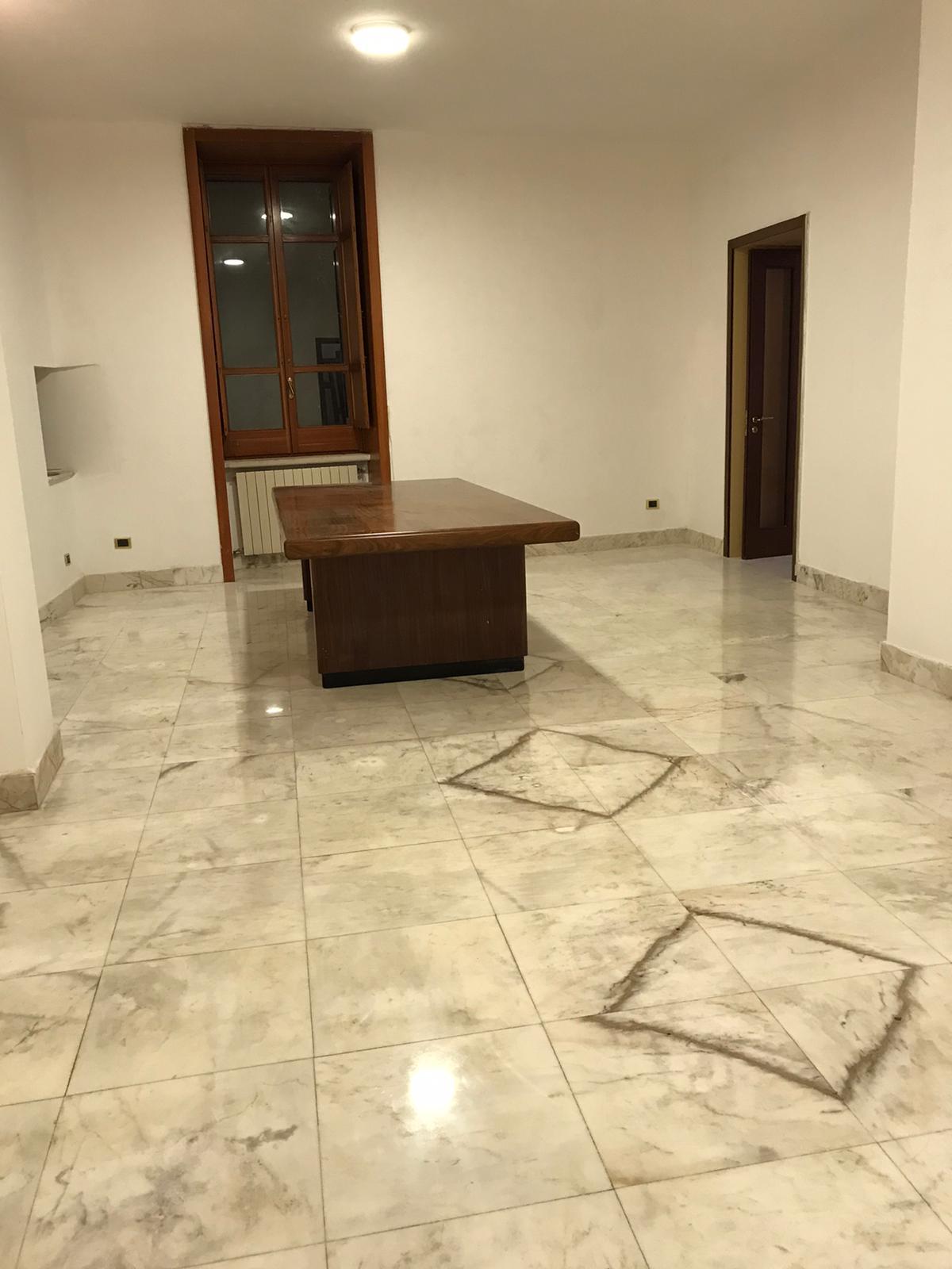 Palazzo / Stabile in Vendita a Benevento