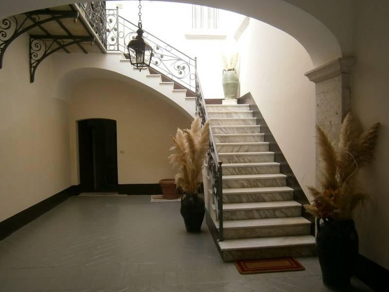Palazzo / Stabile in vendita a Fragneto L'Abate, 30 locali, prezzo € 247.000 | CambioCasa.it