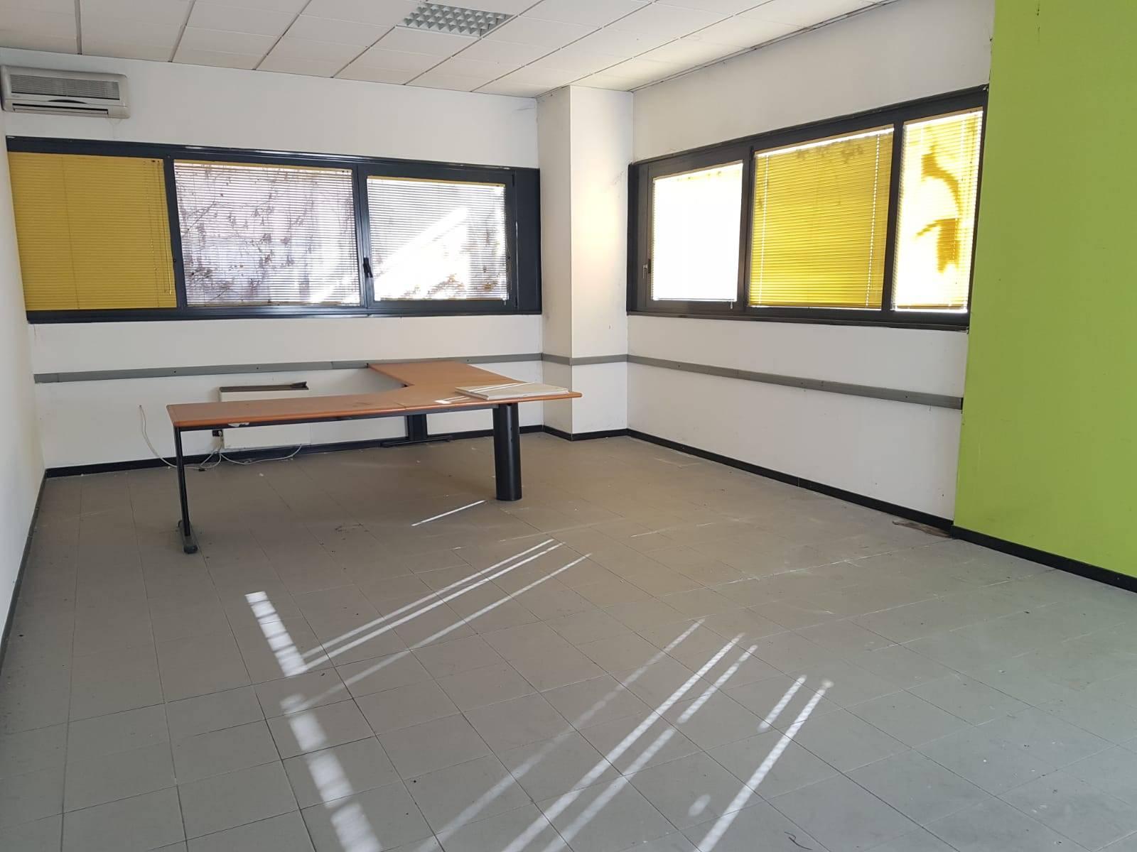 Capannone in affitto a Benevento, 9999 locali, zona Località: CONTRADE, prezzo € 1 | CambioCasa.it