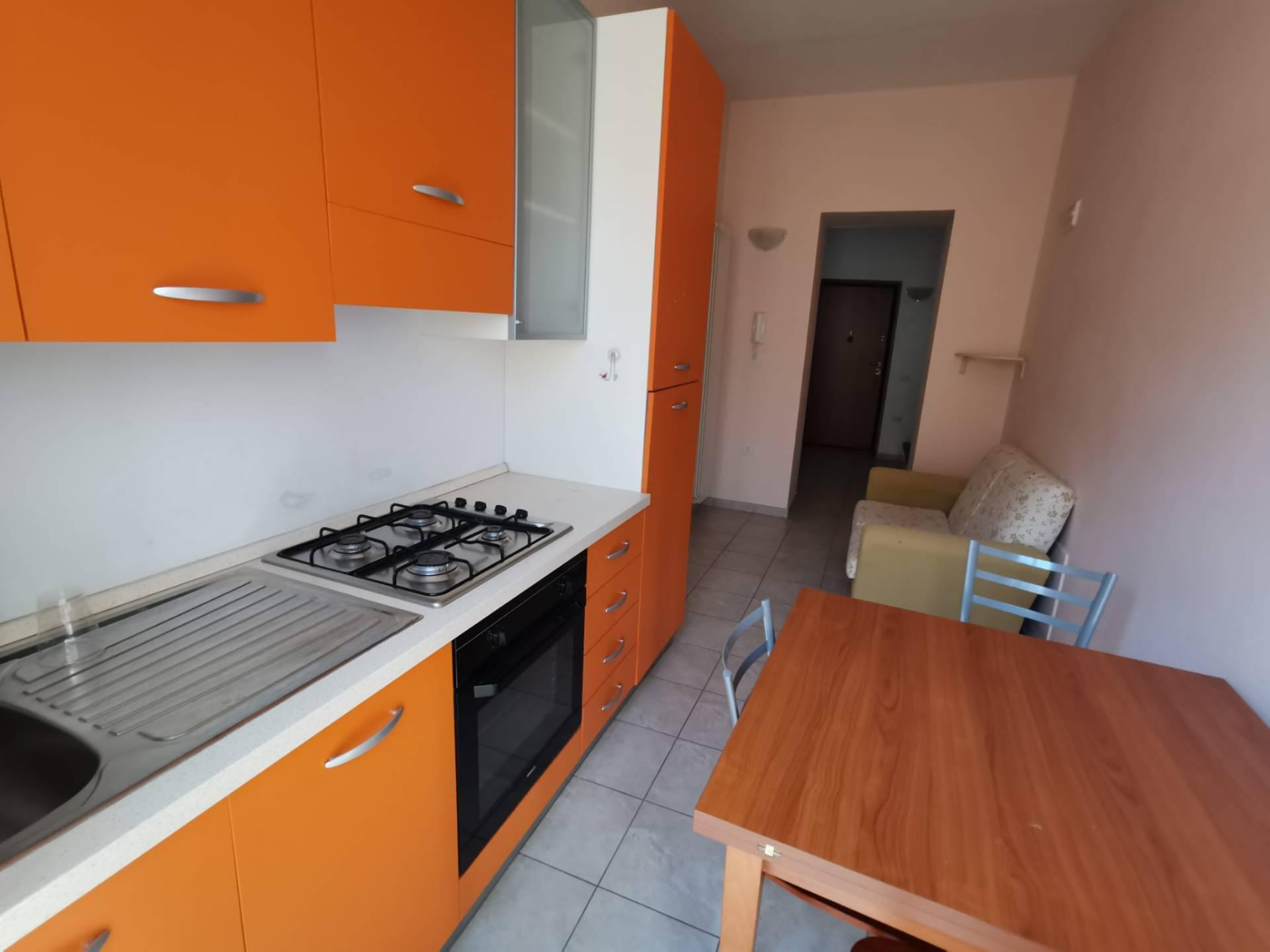 Appartamento in affitto a Benevento, 2 locali, zona Località: CENTROSTORICO, prezzo € 370 | CambioCasa.it