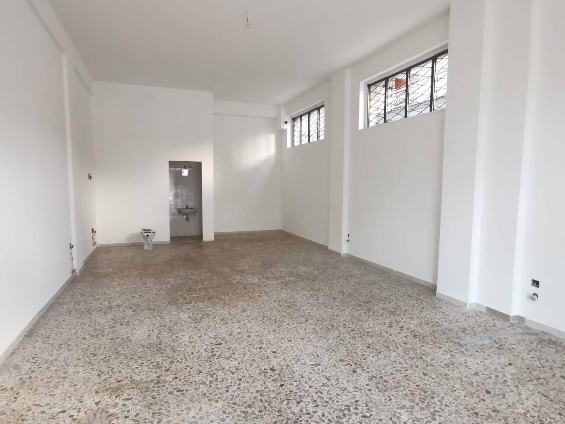 Negozio / Locale in affitto a Benevento, 9999 locali, zona Località: Libert?, prezzo € 500 | CambioCasa.it