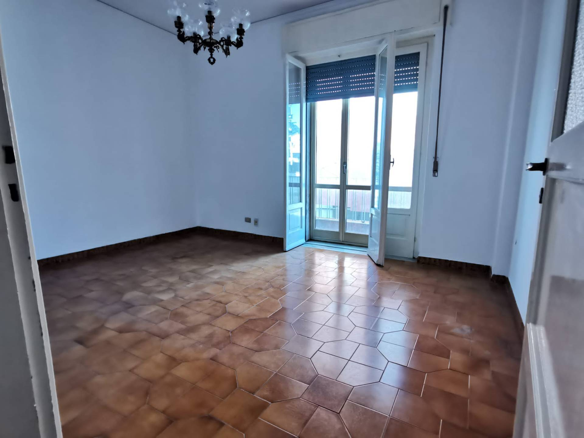 Appartamento in vendita a Benevento, 3 locali, zona Zona: Ferrovia, prezzo € 65.000 | CambioCasa.it