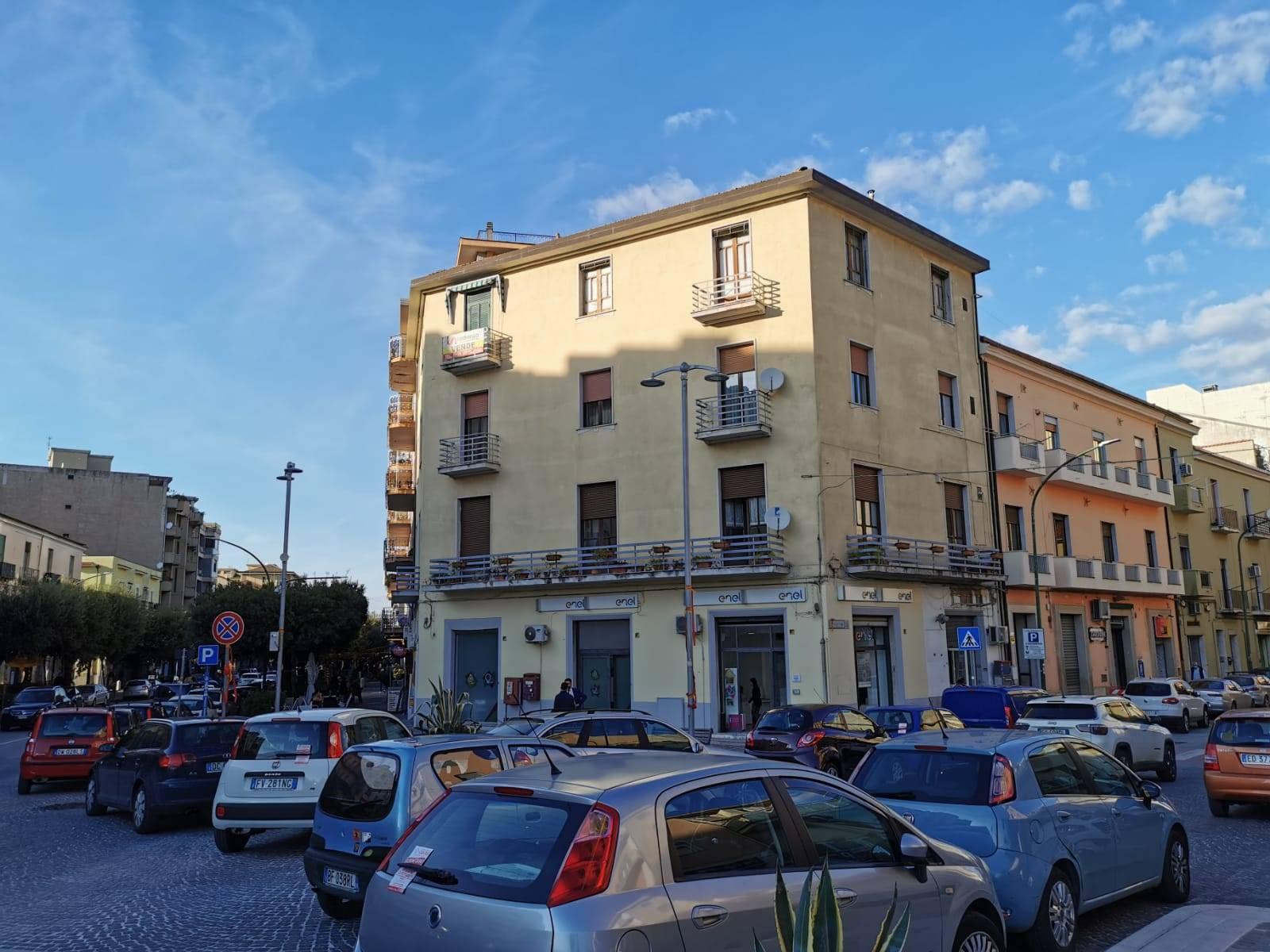 Appartamento in vendita a Benevento, 4 locali, zona Zona: Ferrovia, prezzo € 128.500 | CambioCasa.it
