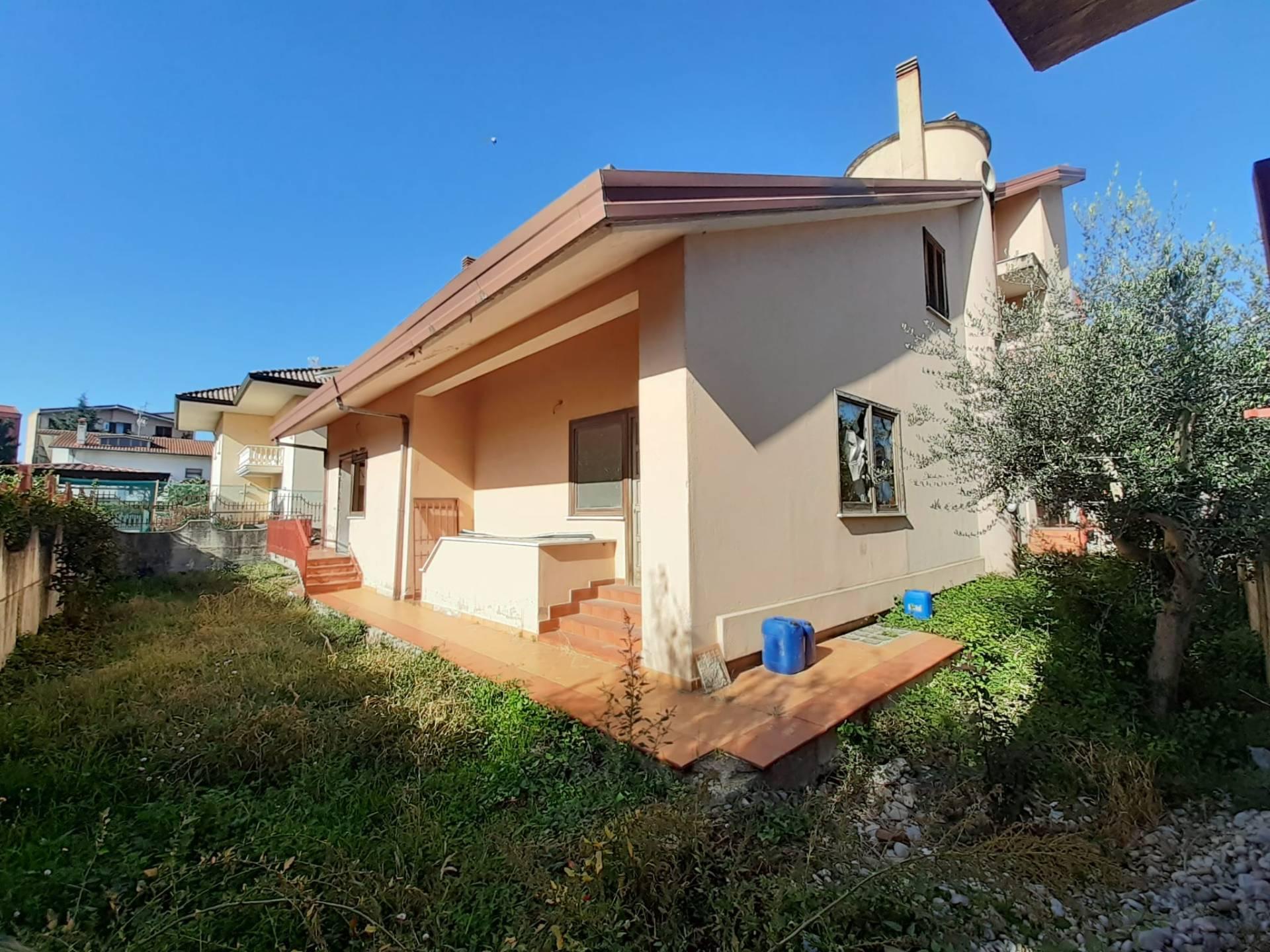 Soluzione Semindipendente in vendita a San Giorgio del Sannio, 7 locali, prezzo € 135.000 | CambioCasa.it