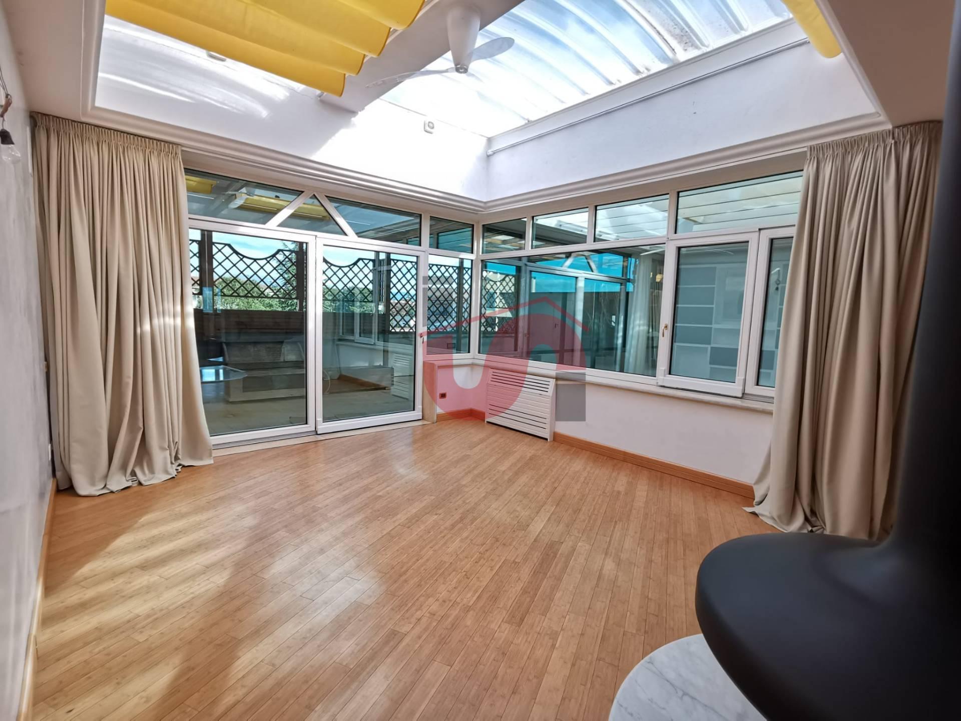 Appartamento in vendita a Benevento, 9 locali, zona Zona: Centro, Trattative riservate   CambioCasa.it