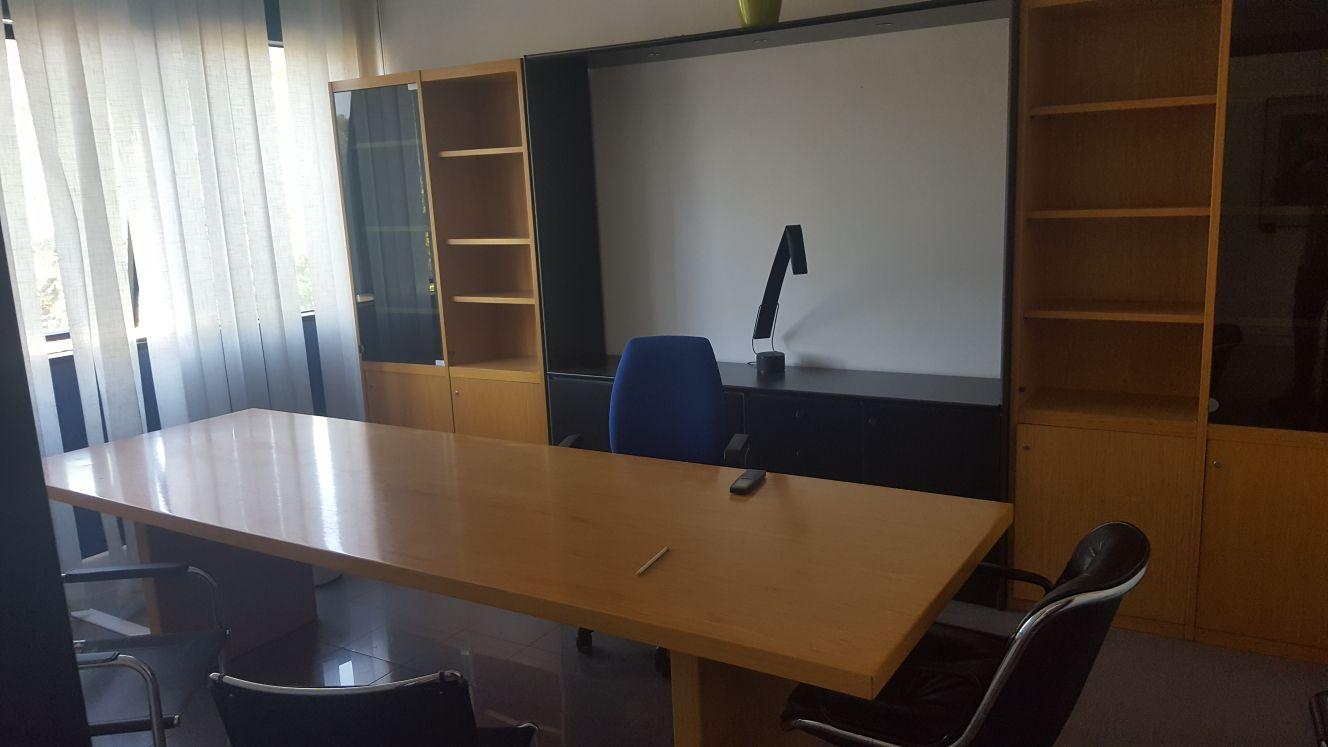 Ufficio / Studio in vendita a Latina, 9999 locali, zona Zona: Semicentrale, prezzo € 90.000   CambioCasa.it