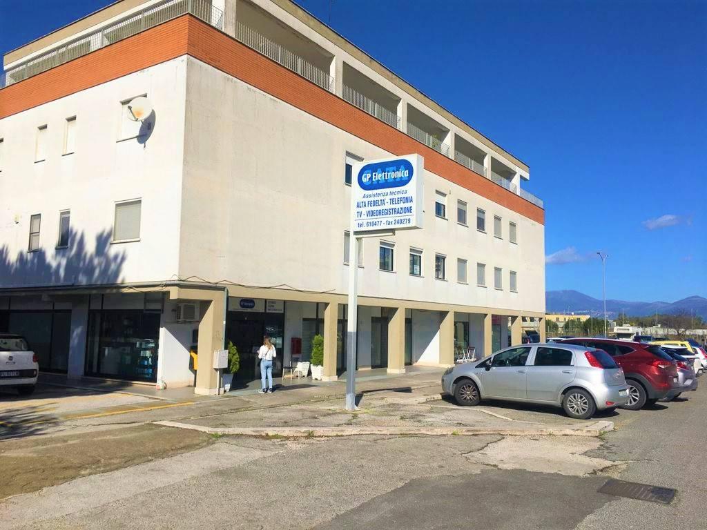 Ufficio / Studio in vendita a Latina, 9999 locali, zona Zona: Semicentrale, prezzo € 120.000   CambioCasa.it