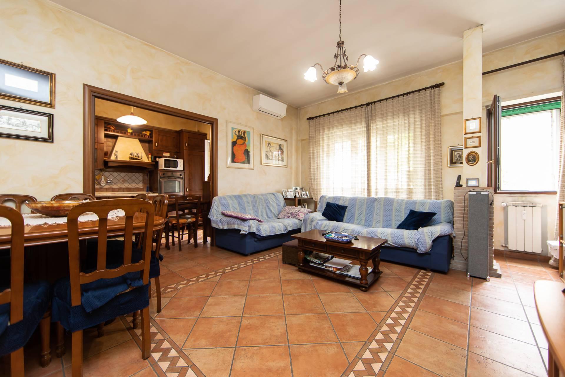 Appartamento in vendita a Roma, 5 locali, zona Zona: 39 . Lido di Ostia, Ostia, Castel Fusano, Torre Paterno, prezzo € 279.000 | CambioCasa.it
