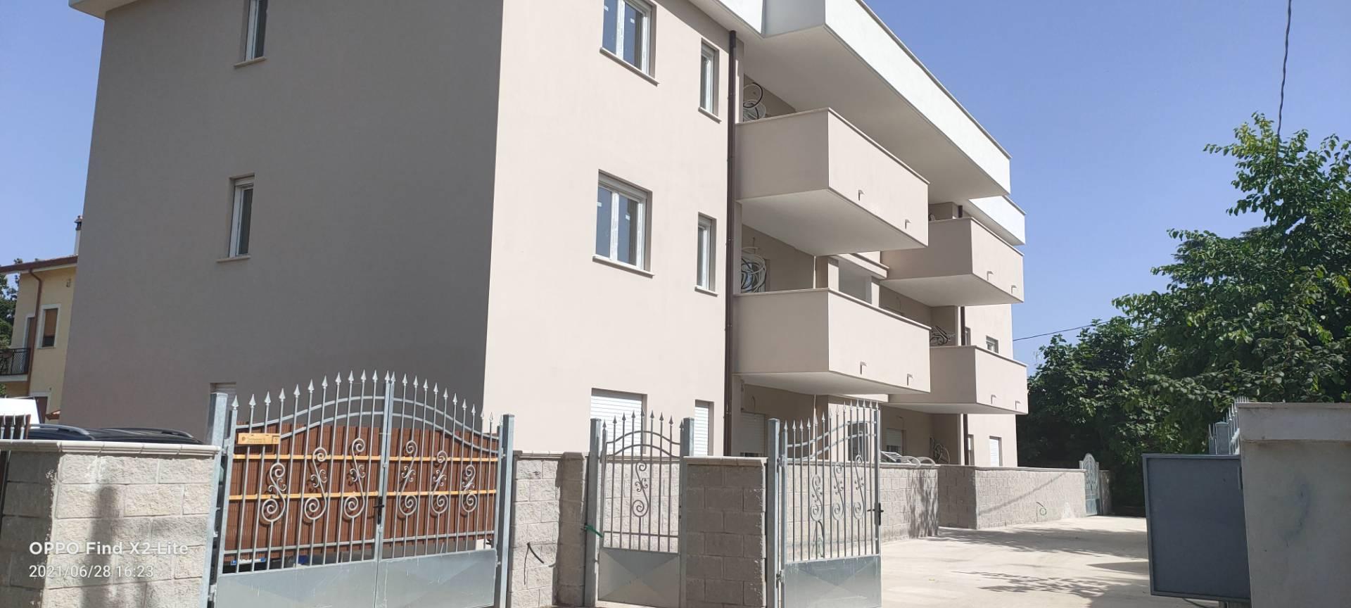 Appartamento in vendita a Cisterna di Latina, 4 locali, prezzo € 180.000   CambioCasa.it