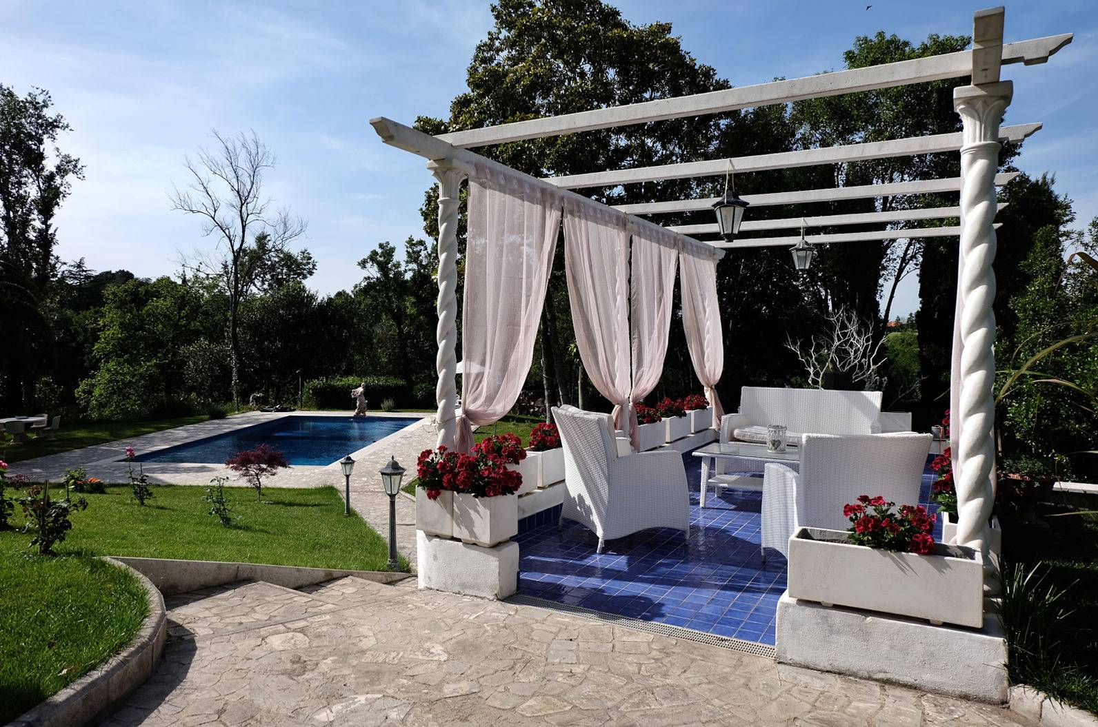 picture of English Style Villa Between Rome And Fregene