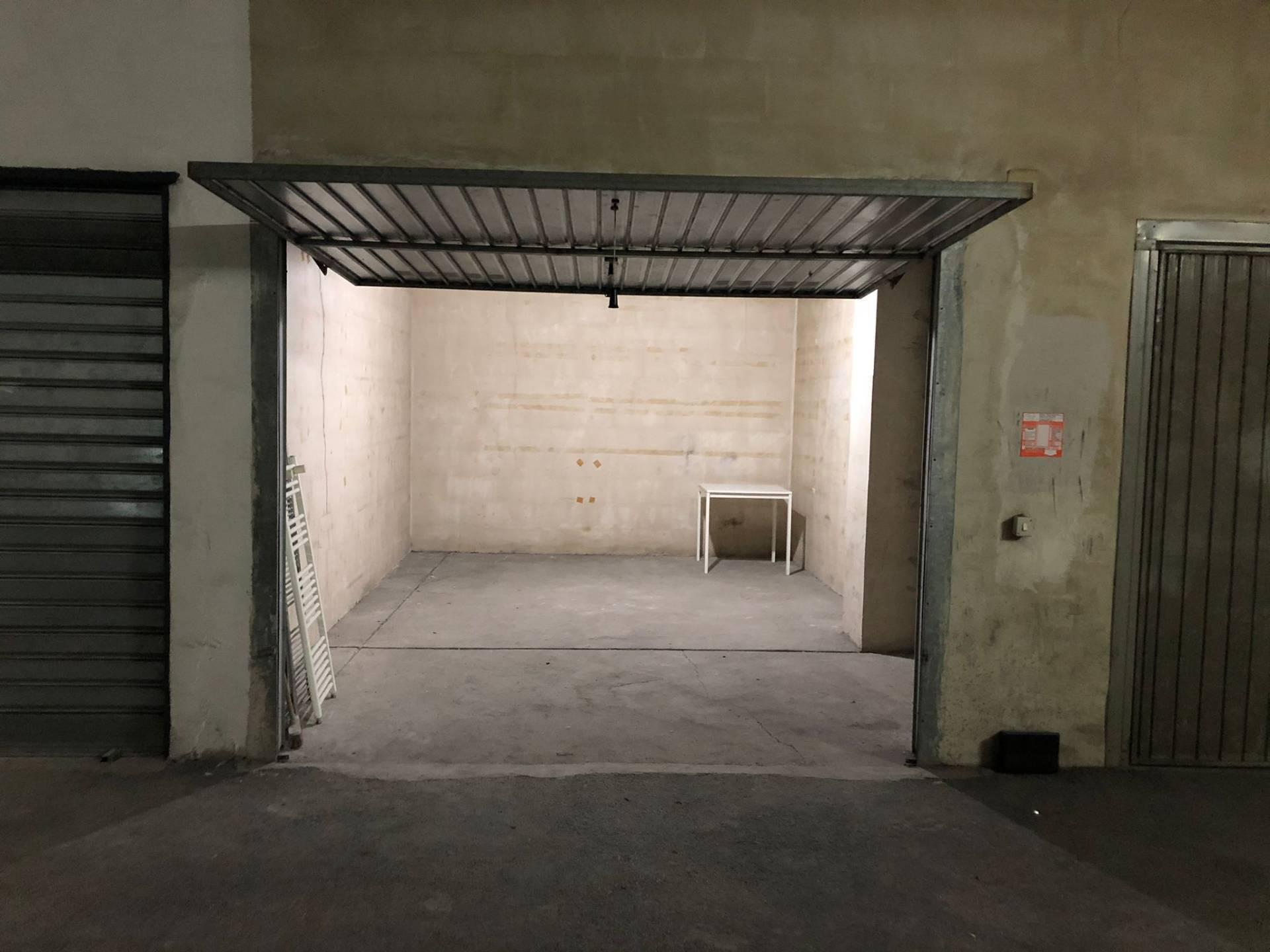 Garage/Box/Posto auto in vendita a Tremestieri Etneo (CT)