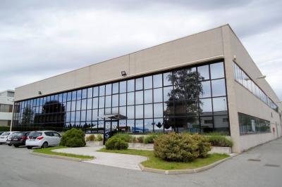 Capannone Industriale in Vendita a Malnate