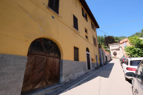Appartamento Trilocale in Vendita a Laveno-Mombello